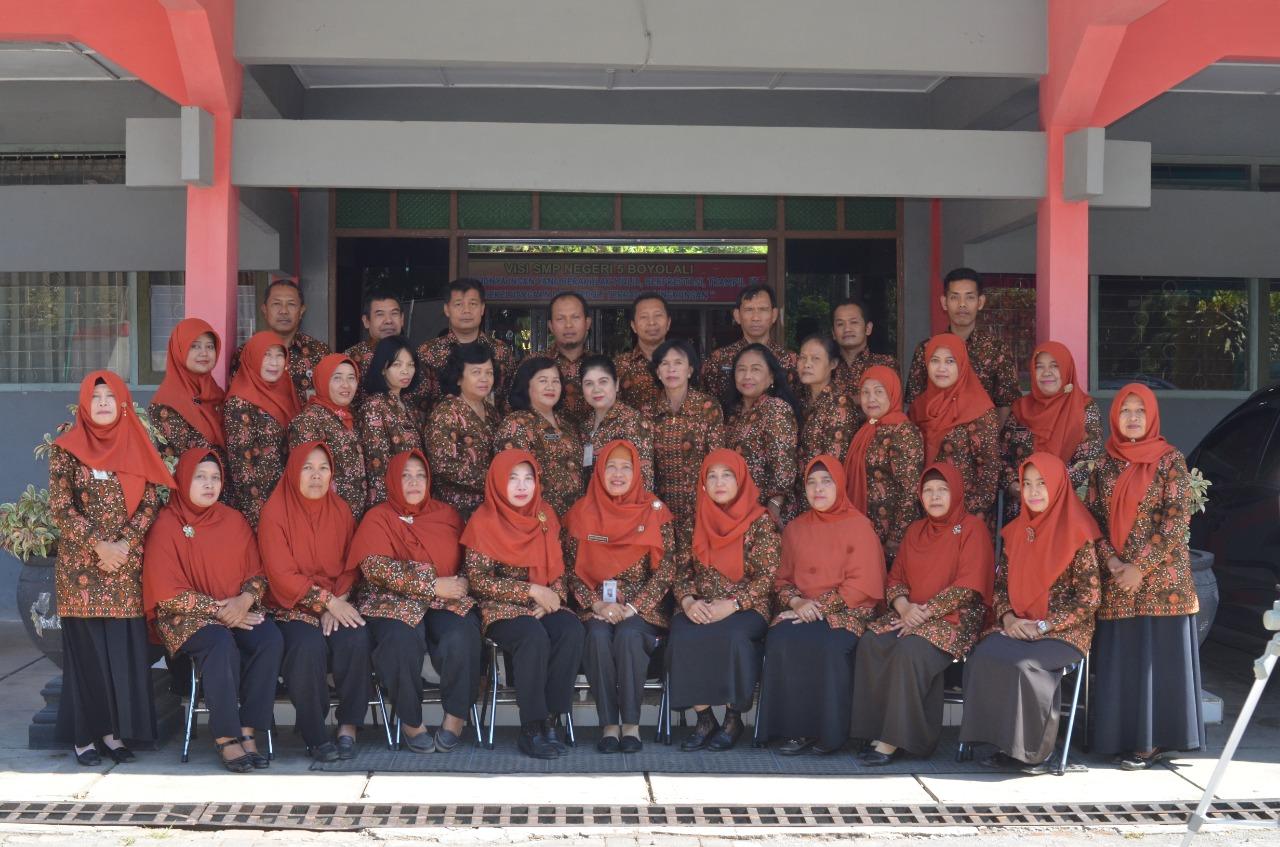 Guru SMP N 5 Boyolali
